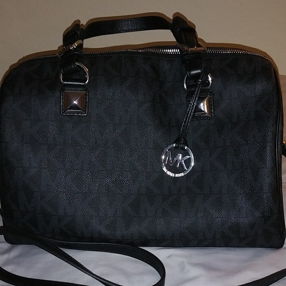 Michael Kors Handbags - Michael Kors Greyson Large Satchel